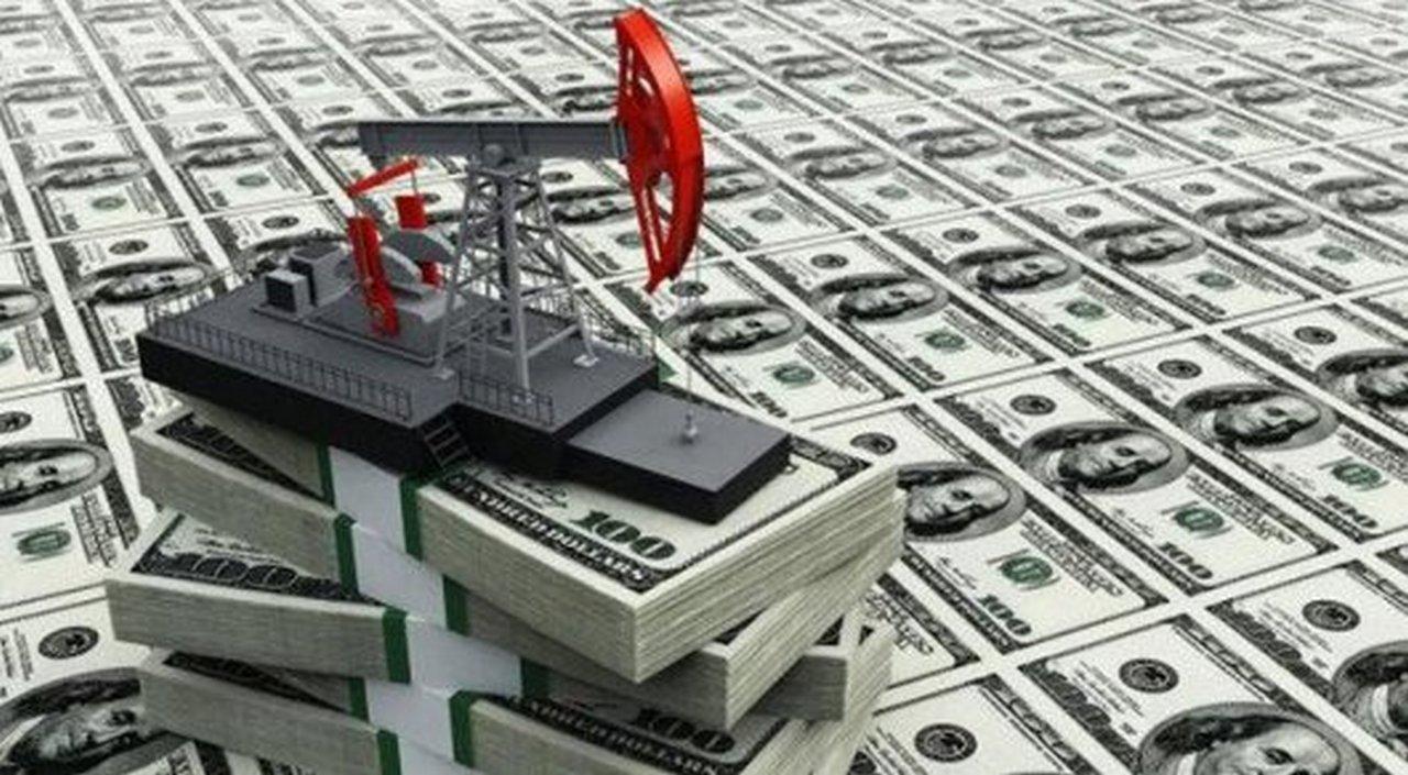 Цены нанефть возобновили подъем идержатся вблизи пиков 2015 года