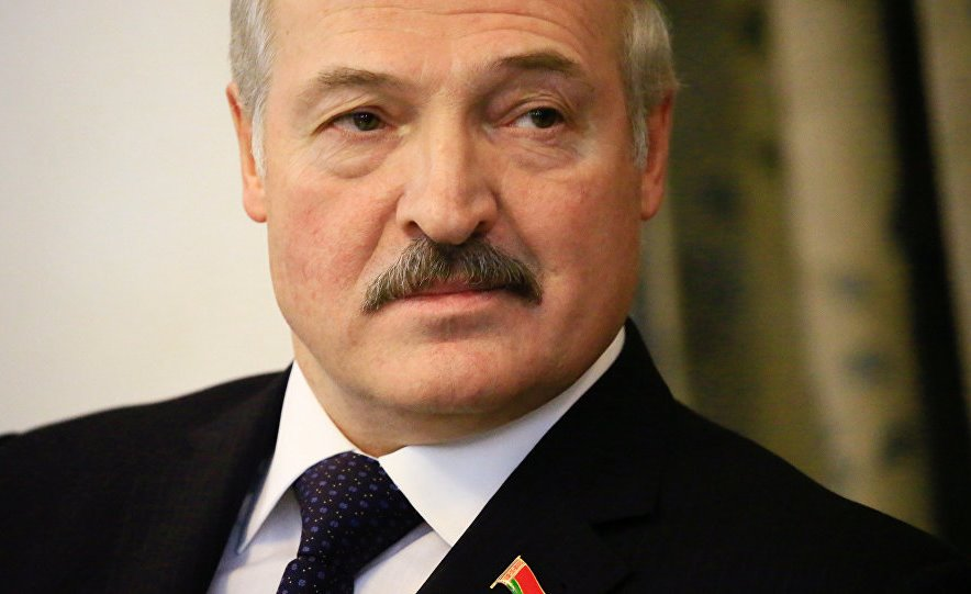 Лукашенко: РФ первой протянет руку помощи, невзирая навозникающие споры