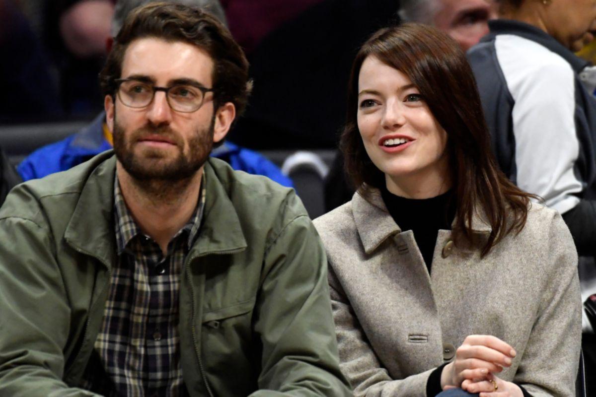 Эмма Стоун и Дэйв Маккэри отложили свадьбу из-за коронавируса ...